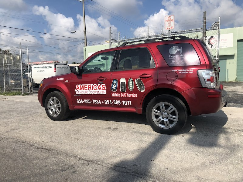 Americas 24 Hours Locksmith SUV Cut Vinyl, full color graphics, car wrapping